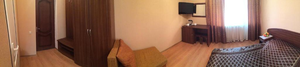 Телевизор и/или развлекательный центр в Райский Уголок
