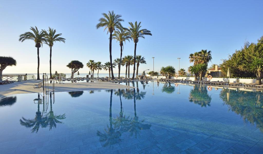 The swimming pool at or near Sol House Costa del Sol