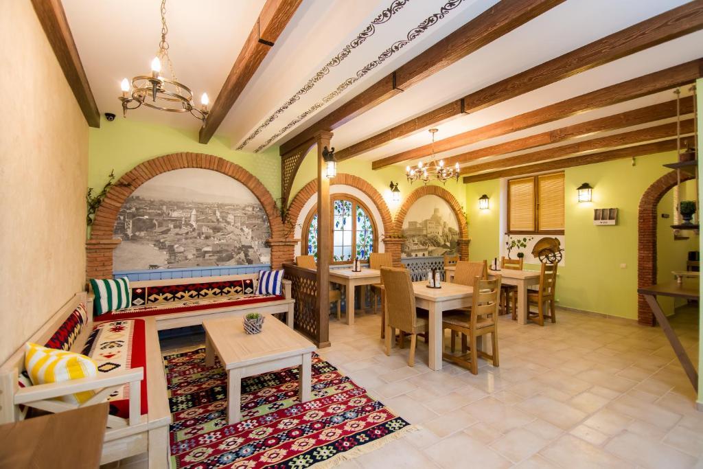 Metekhi's Galavani Hostel