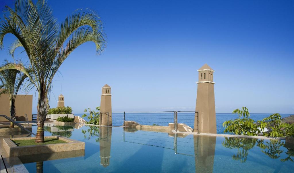 Het zwembad bij of vlak bij Hotel Playa Calera
