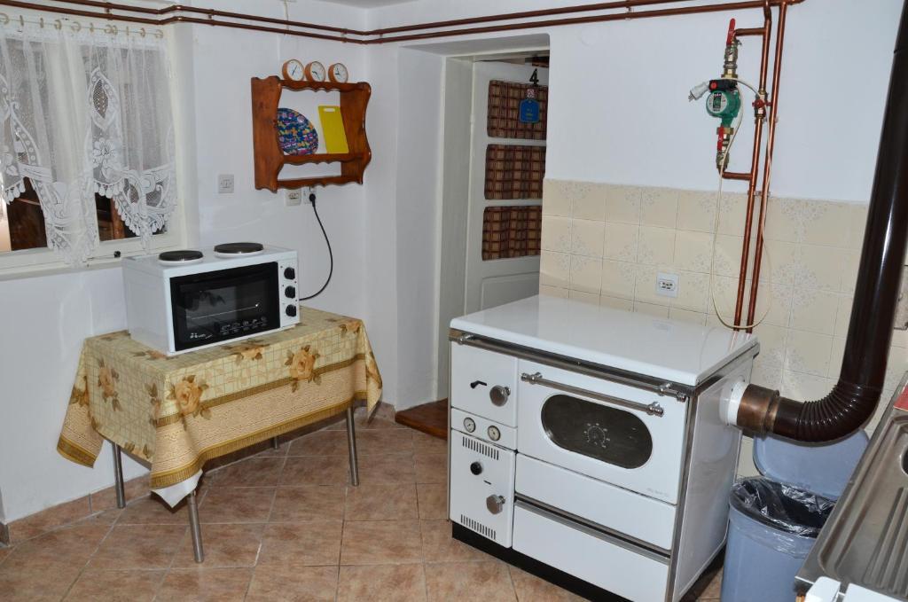 Home Beli Ribarska Banja
