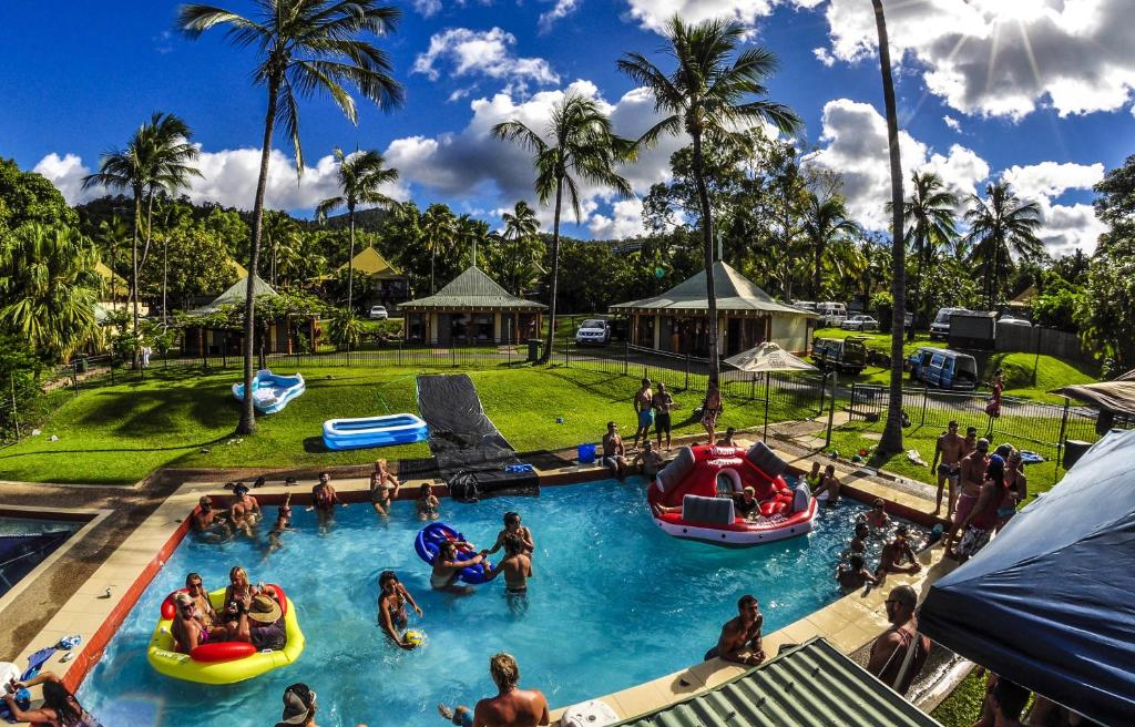 A view of the pool at Nomads Airlie Beach or nearby