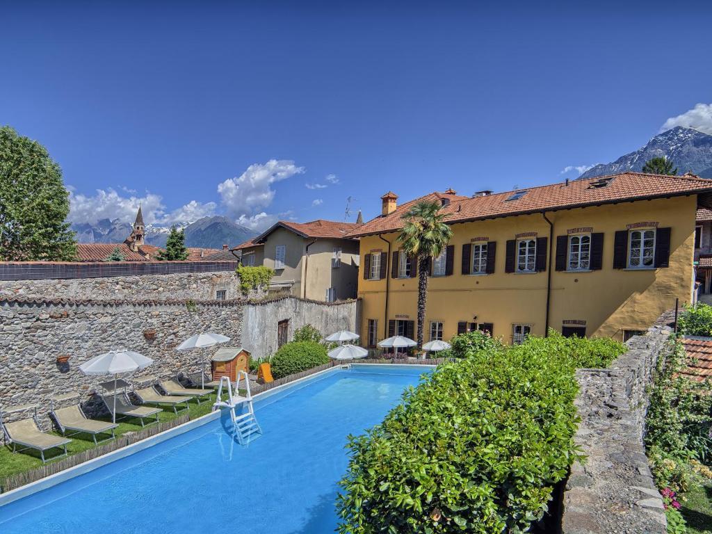 The swimming pool at or near Villa Vinicia