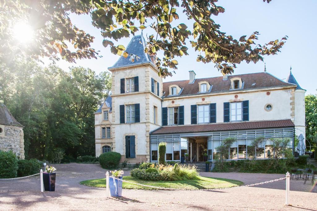 Chateau De Champlong Table Hotel Villerest France Booking Com