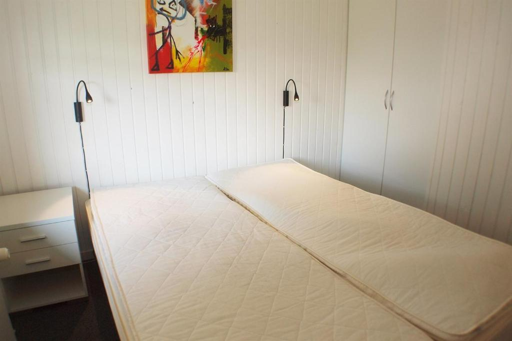 Four-Bedroom Holiday Home Aavej with a Sauna 02