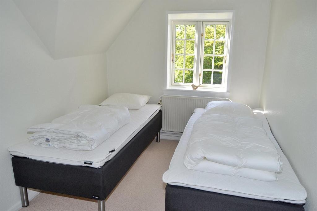 Five-Bedroom Holiday Home Digevej 04