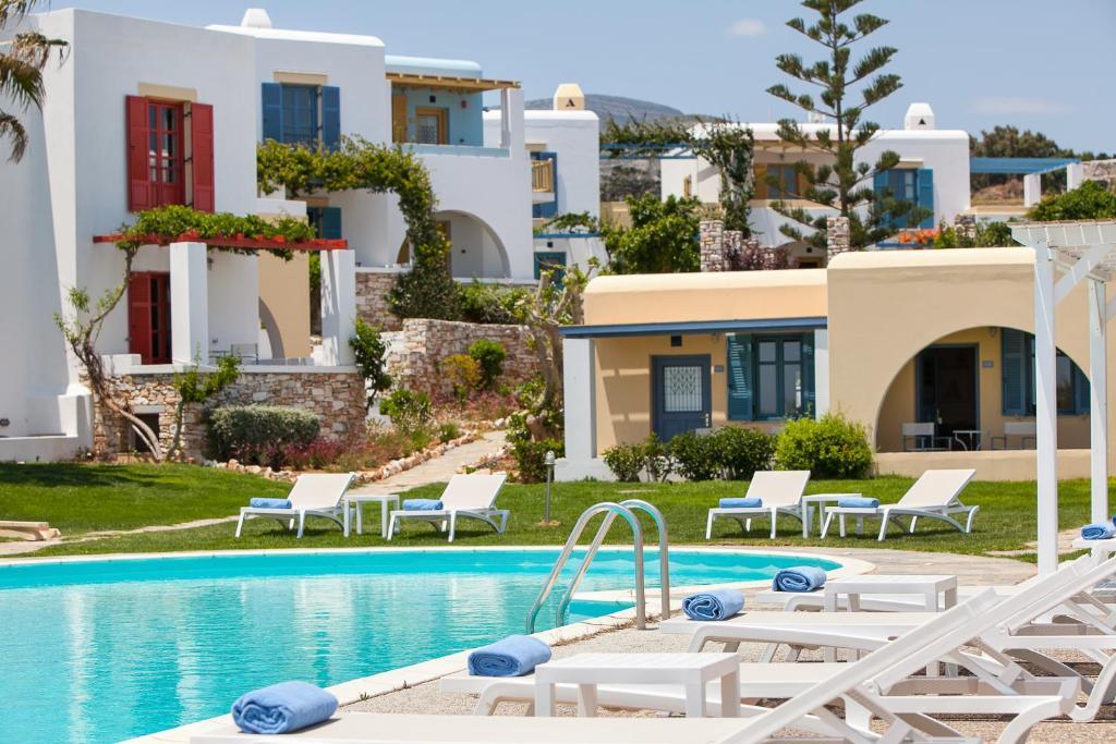 The swimming pool at or near Acquamarina Resort