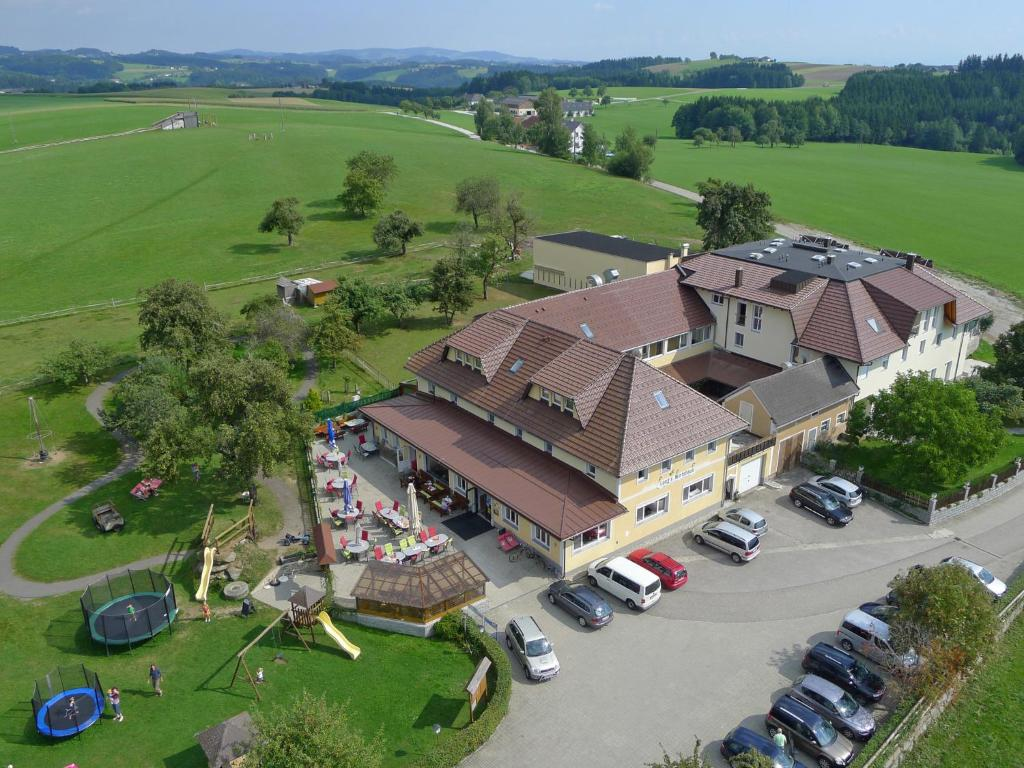 A bird's-eye view of Langs Wirtshaus