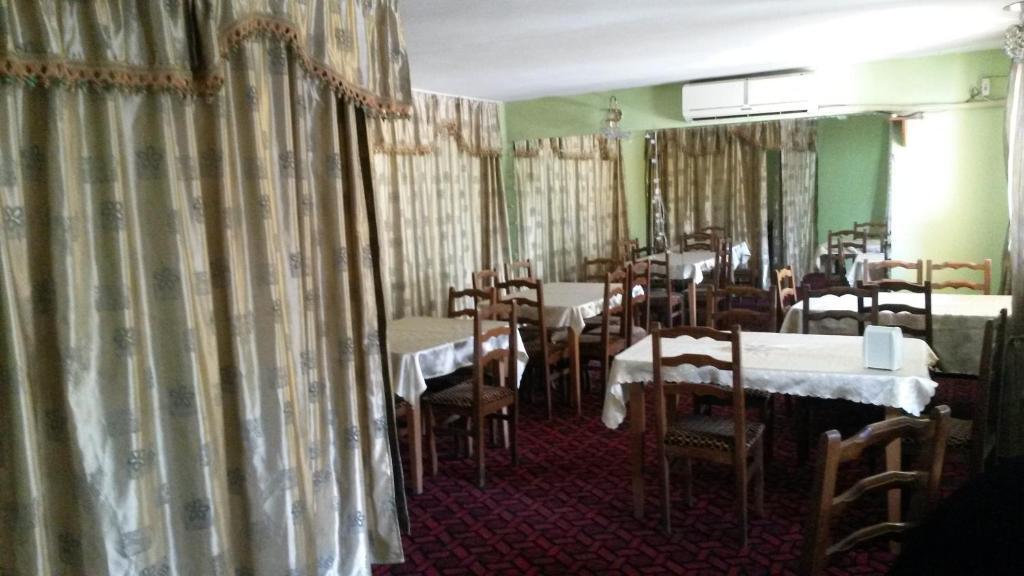 Liza Hotel