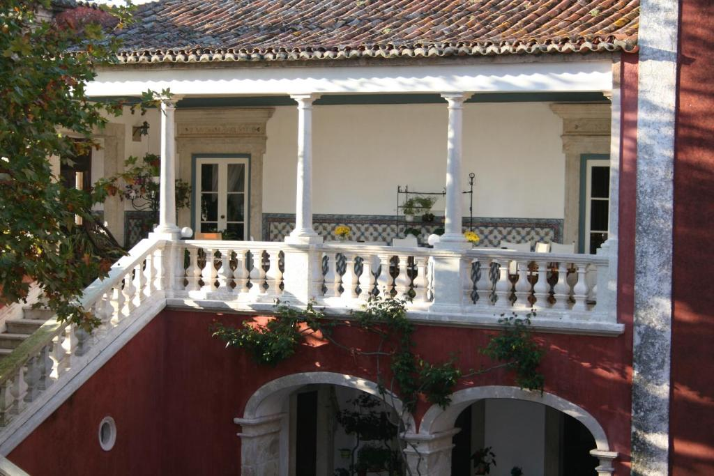 A balcony or terrace at Casa dos Vargos