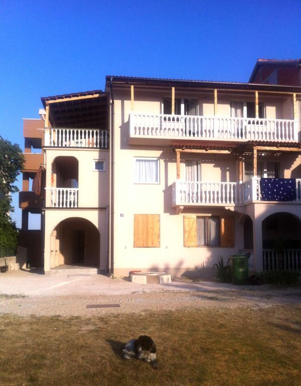 Apartments Ninske Vodice