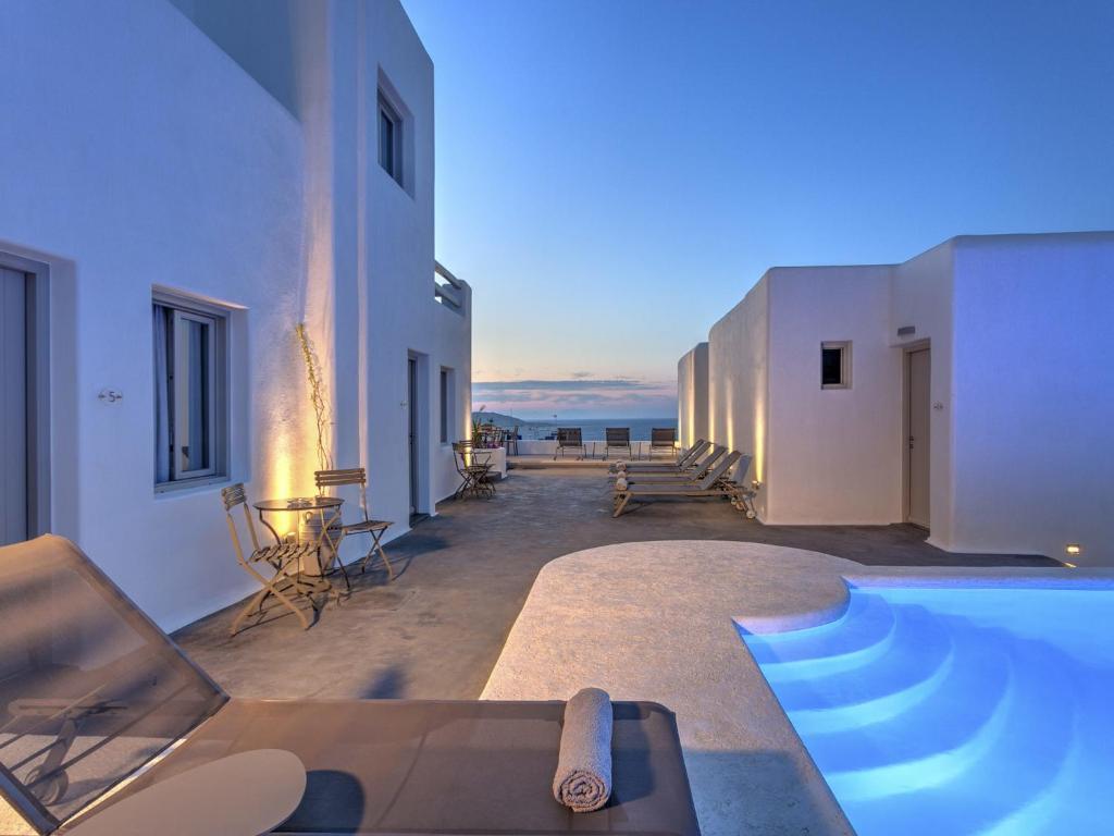 The swimming pool at or close to Hotel Papadakis