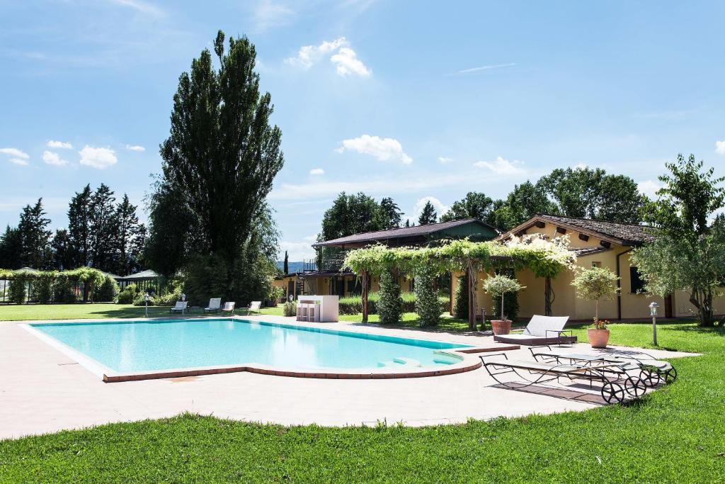 Resort e Spa San Crispino 내부 또는 인근 수영장