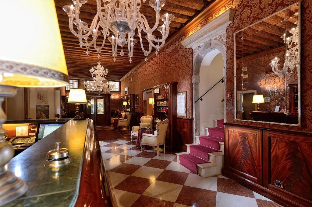 Restoran või mõni muu söögikoht majutusasutuses Duodo Palace