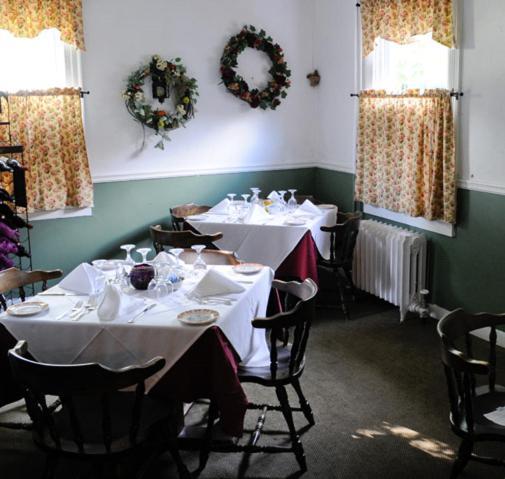 La Perla at Gregory House Country Inn & Restaurant