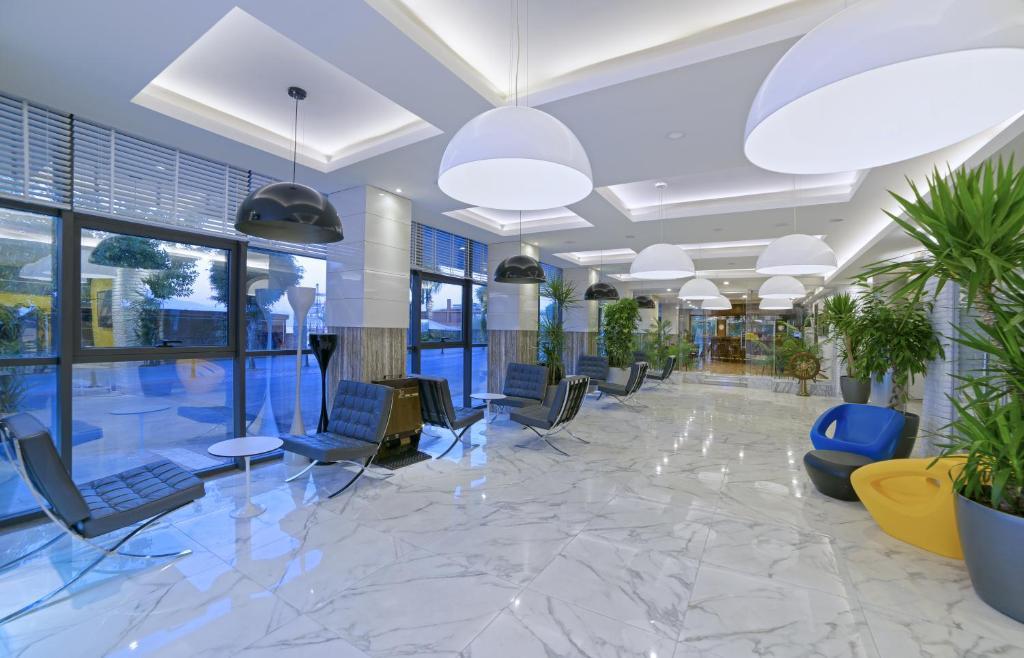 Лобби или стойка регистрации в Hotel Kaptan