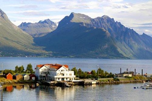 Sunde Fjord Hotel Solavagen Norway
