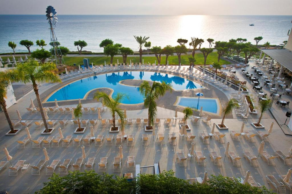 A view of the pool at Pernera Beach Hotel or nearby