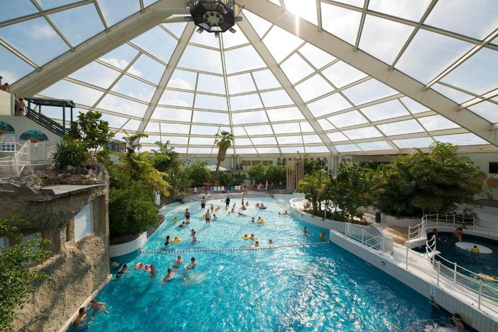Het zwembad bij of vlak bij Sunparks De Haan
