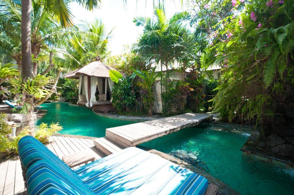 Piscine de l'établissement The Dipan Resort, Villas and Spa ou située à proximité