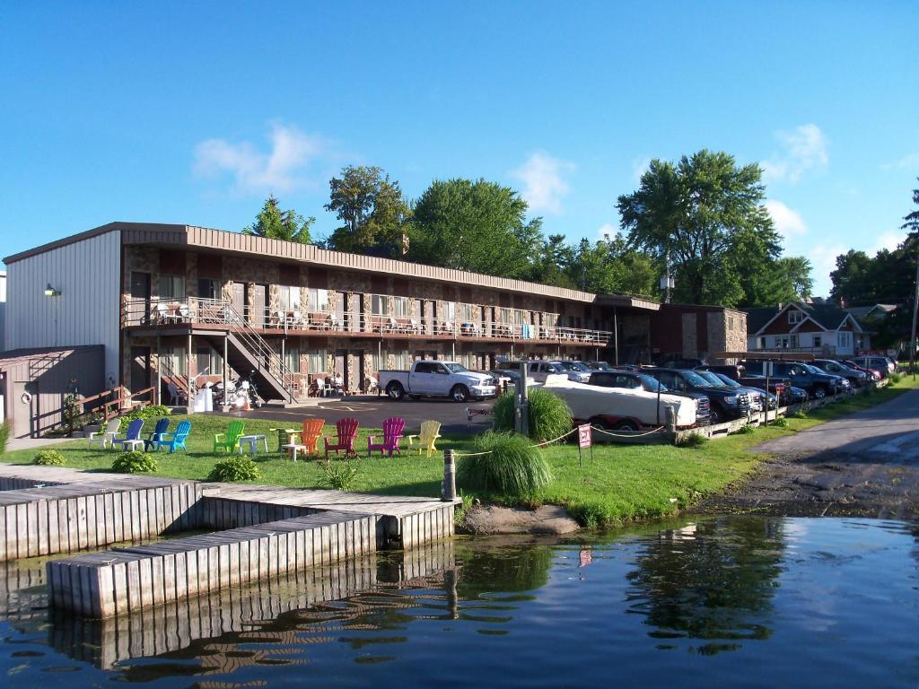 Otter Creek Inn