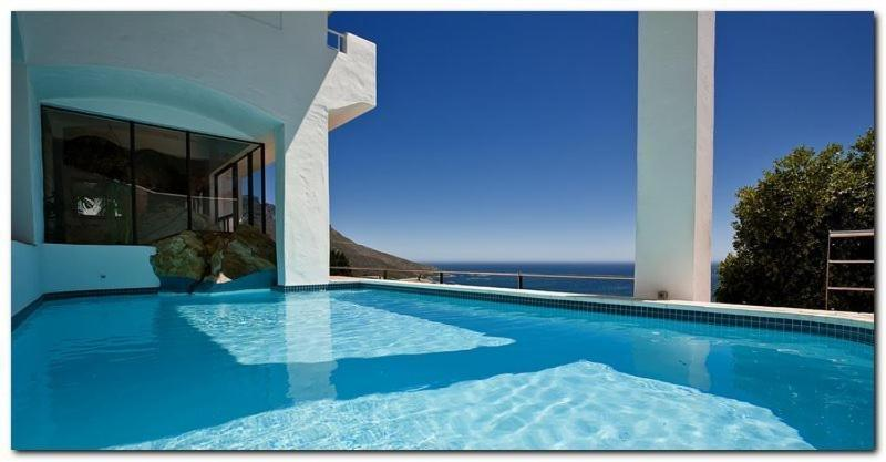 The swimming pool at or near Bayview Penthouses