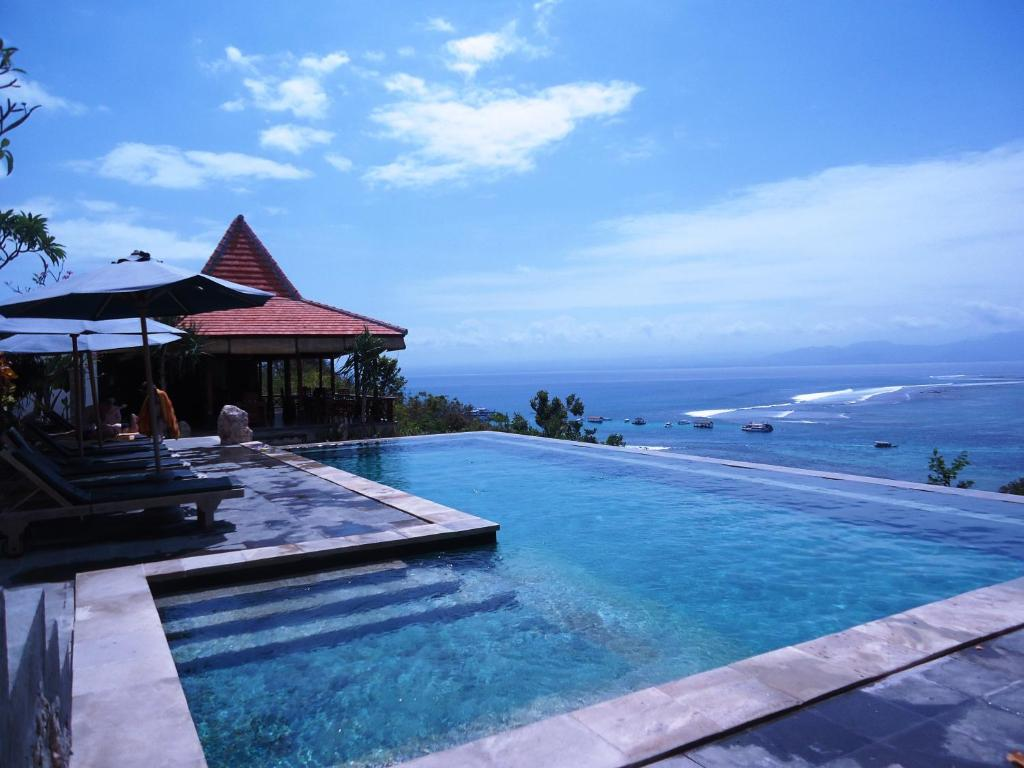The swimming pool at or near Lembongan Cliff Villas