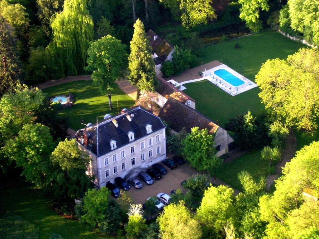 Vue panoramique sur l'établissement Château de Challanges