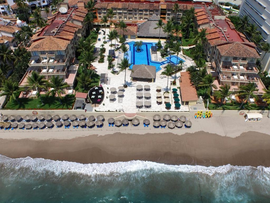A bird's-eye view of Canto del Sol Plaza Vallarta, All Inclusive Beach & Tennis Resort
