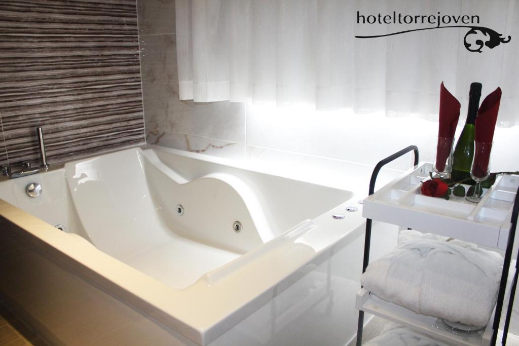 Jacuzzi Torrevieja.Hotel Torrejoven Torrevieja Spain Booking Com