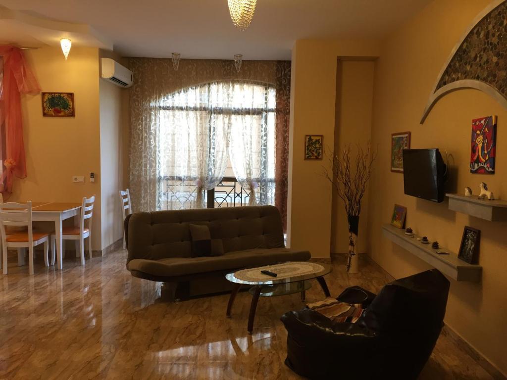 Apartament Dom Litso