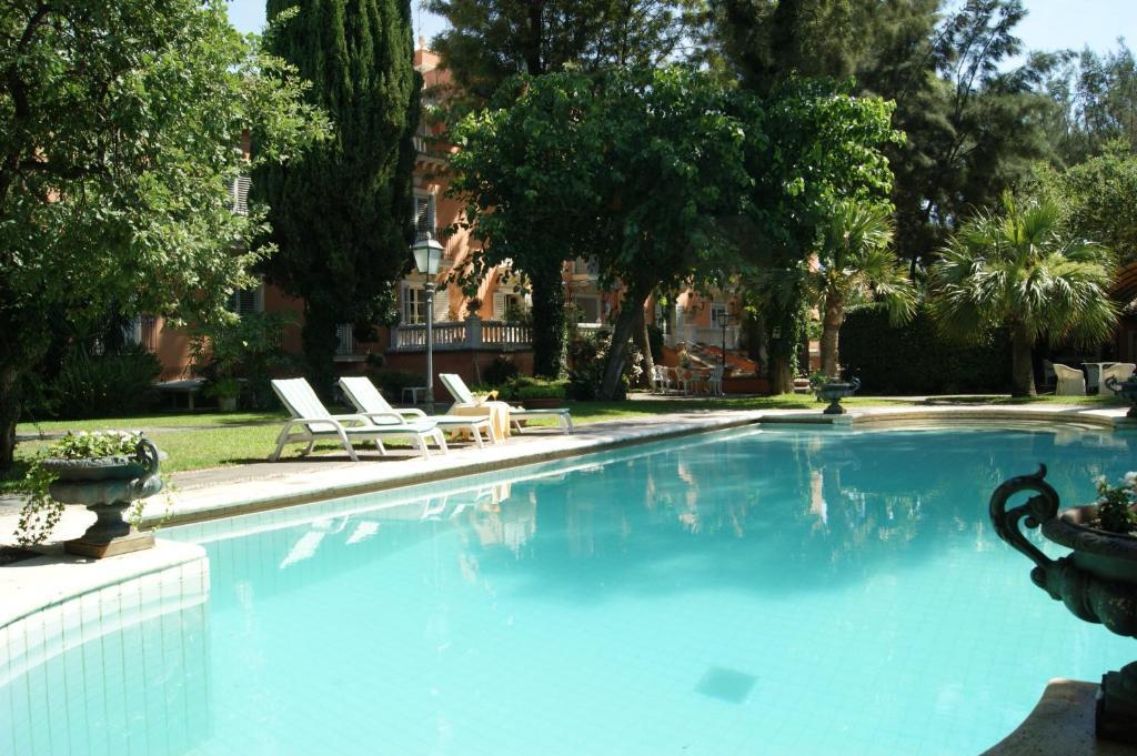 Piscina di Hotel Villa Paradiso dell'Etna o nelle vicinanze