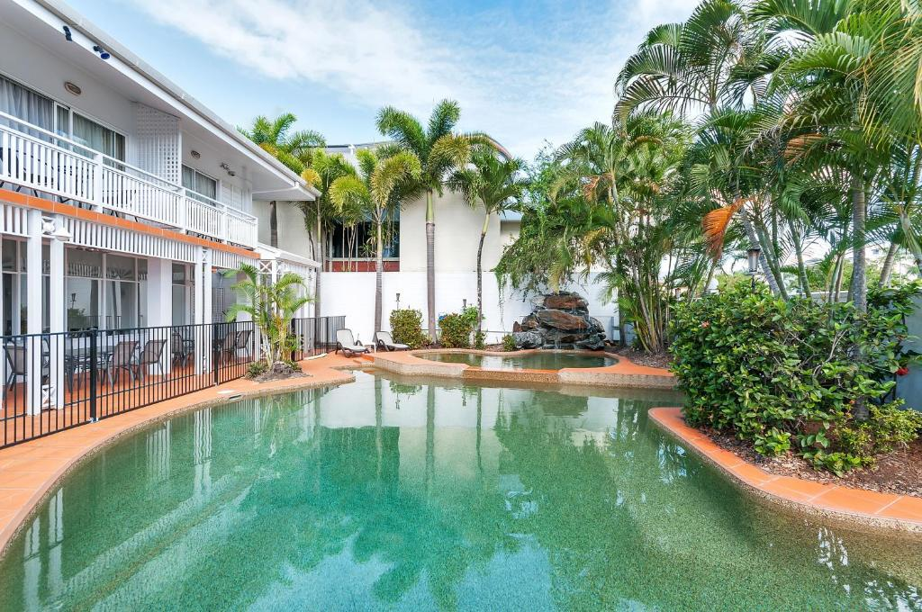 The swimming pool at or near ibis Styles Cairns