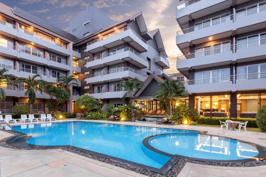 best hotel in pattaya near beach