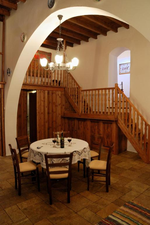 Fedra's House