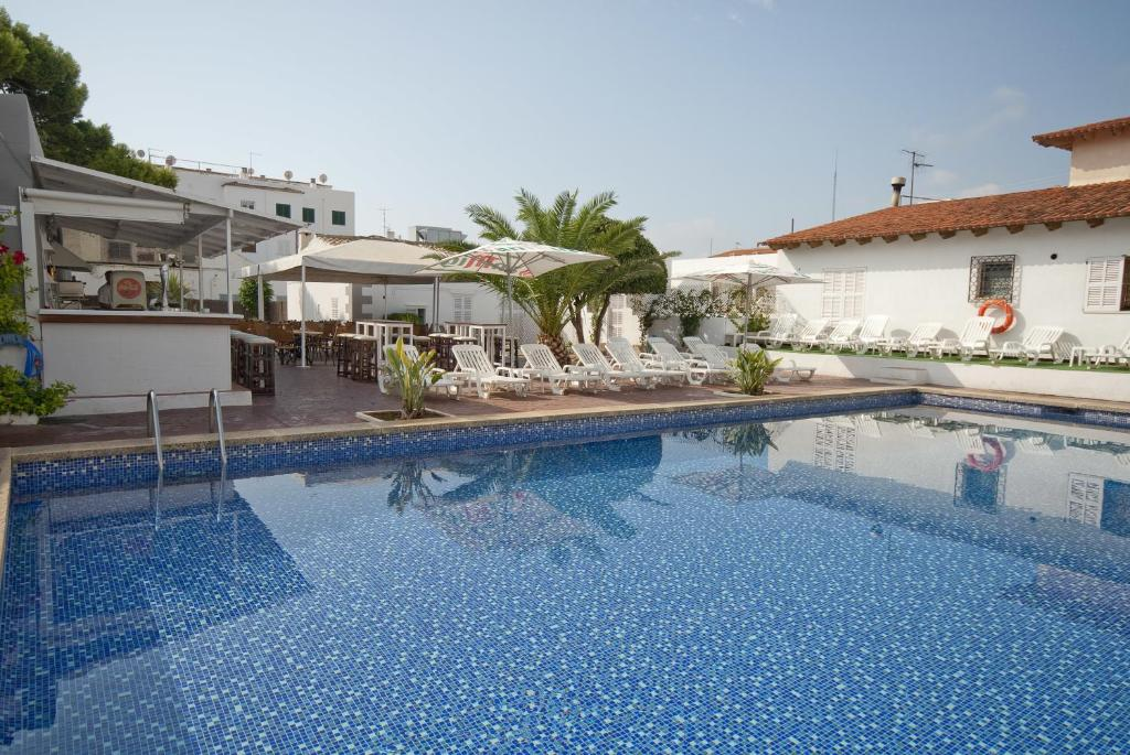 The swimming pool at or near Hostal Montesol