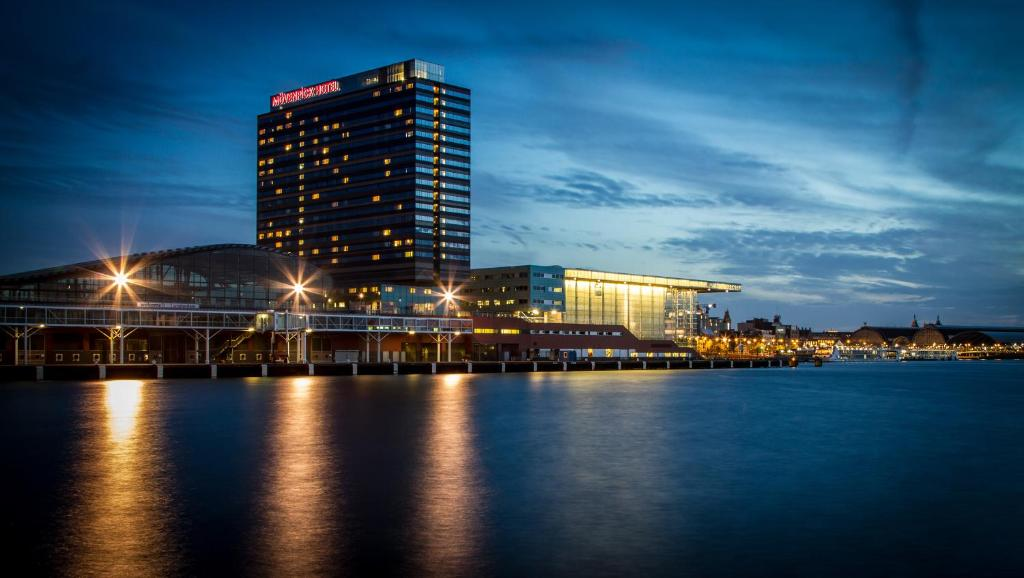 Hotel Mövenpick Amsterdam City, Netherlands - Booking.com