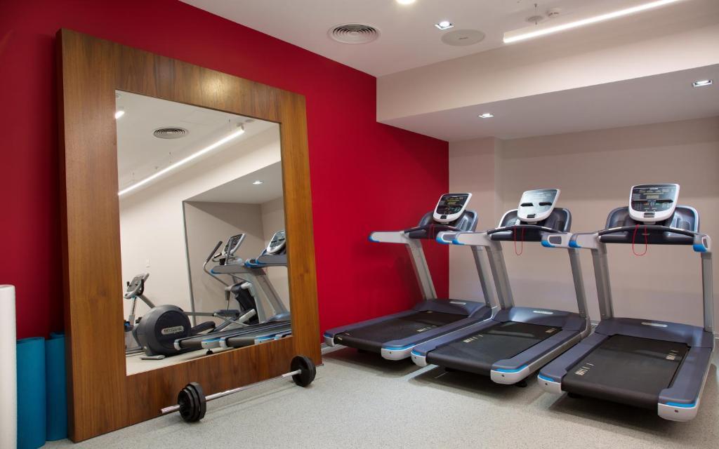 Фитнес-центр и/или тренажеры в Hilton Garden Inn Ufa Riverside