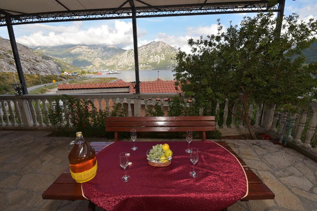 Pogled na planinu ili pogled na planinu iz apartmana