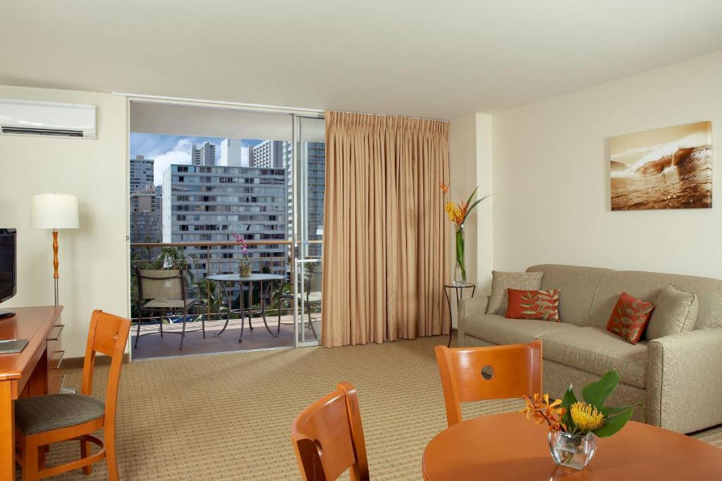 Pearl Hotel Waikiki Honolulu Hi Bookingcom
