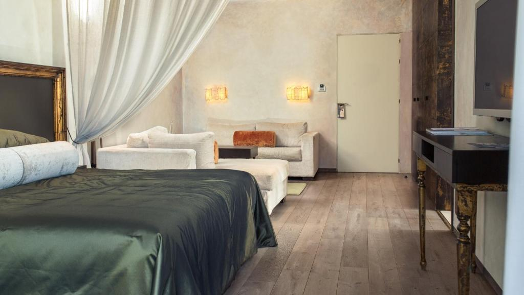 boutique hotels la bisbal  11