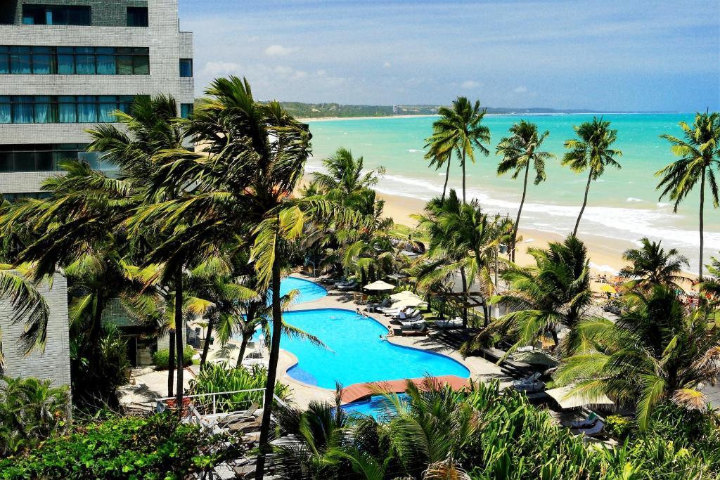 Uma vista da piscina em Ritz Lagoa da Anta Hotel & SPA ou nos arredores