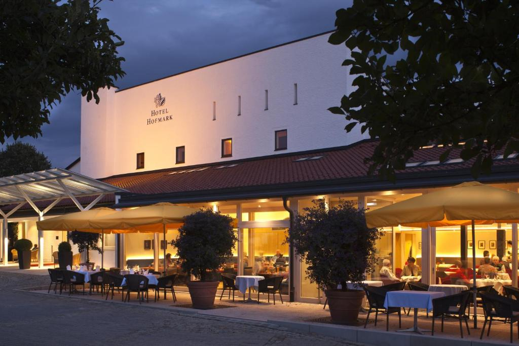 A restaurant or other place to eat at Hotel Hofmark