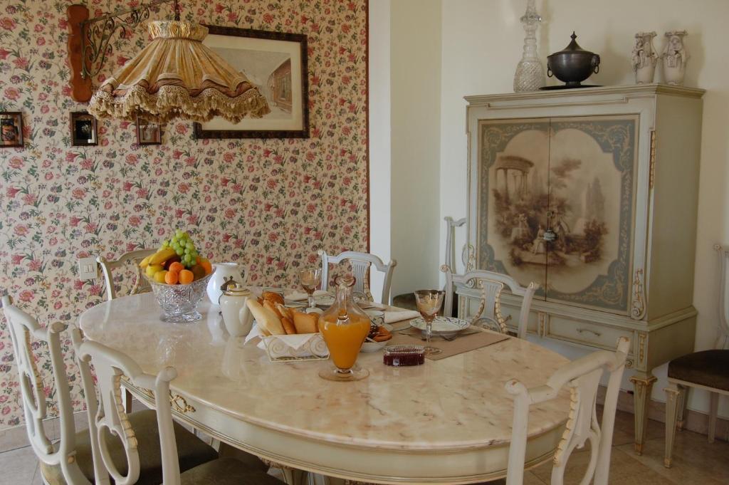 Restaurant ou autre lieu de restauration dans l'établissement B&B Savona Vintage