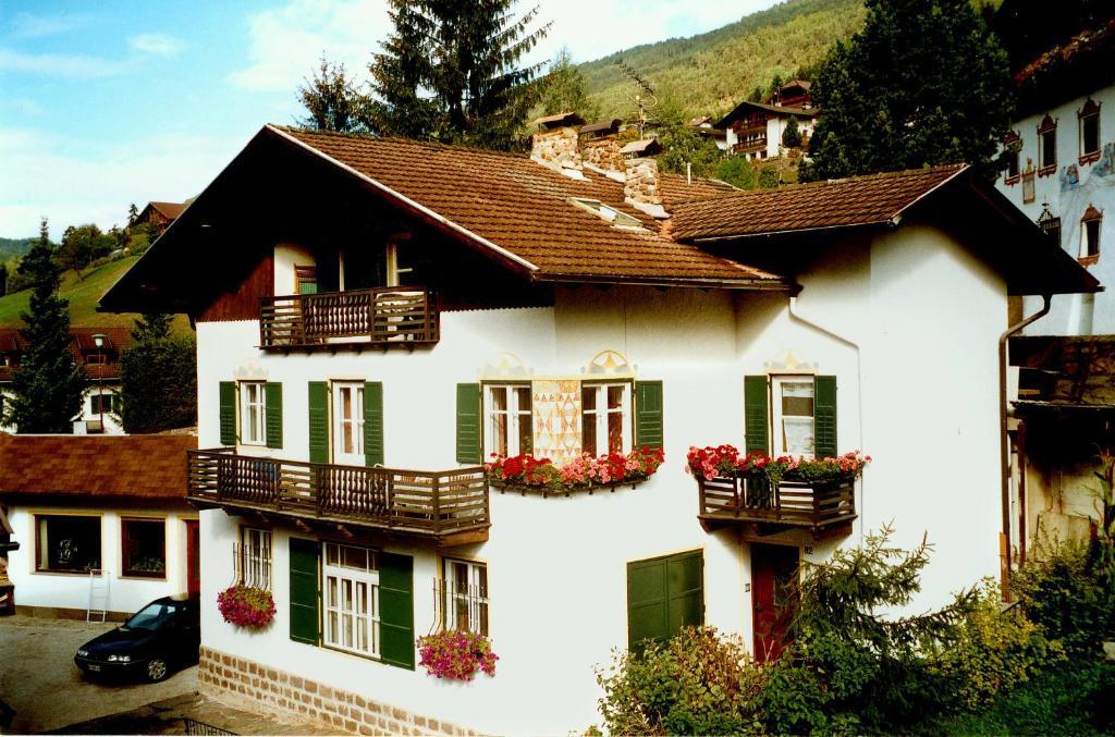 Apartment Dauru (Italia Ortisei) - Booking.com