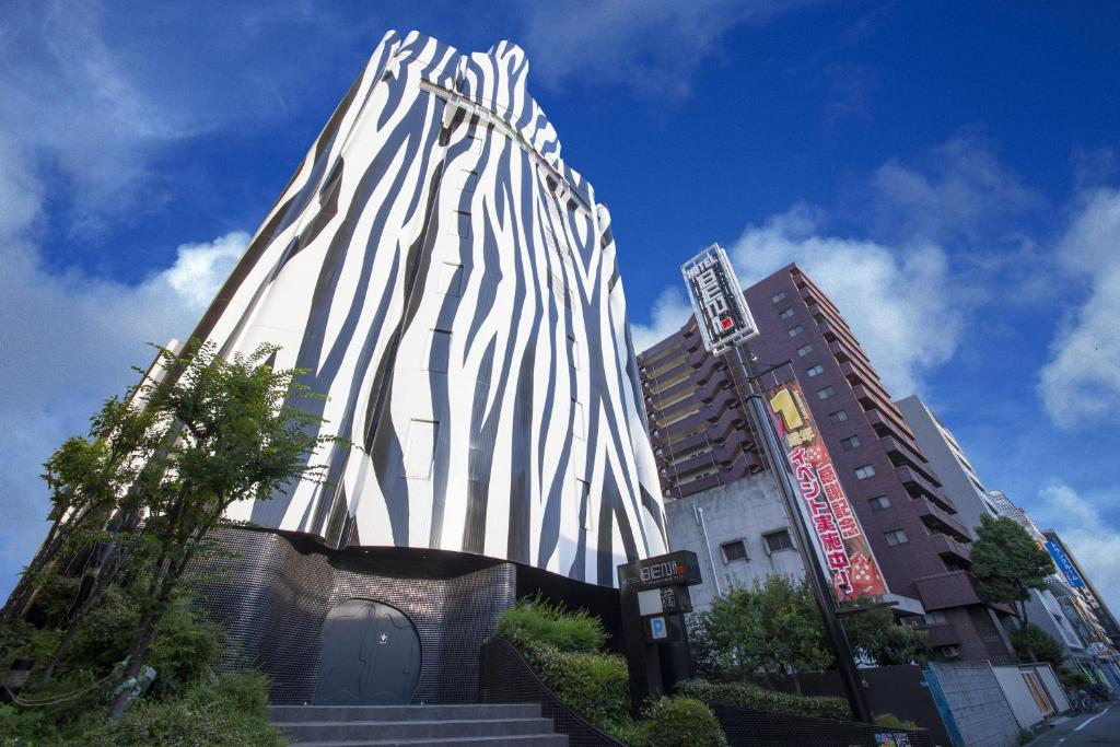 The building in which the love hotel is located