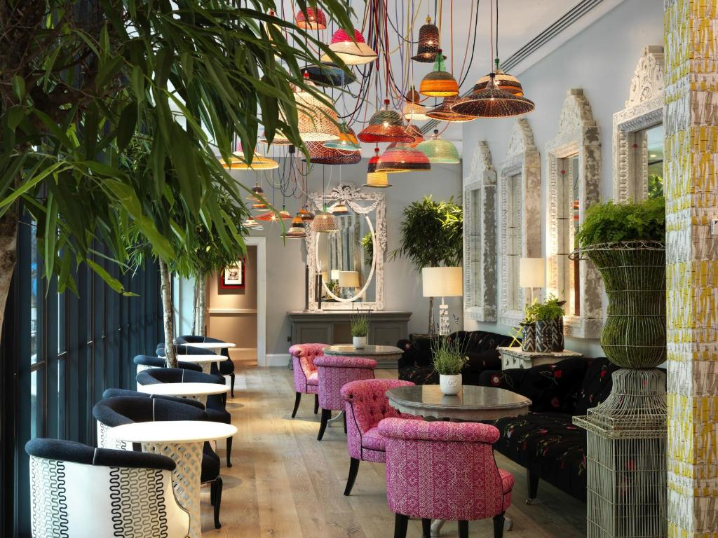 A restaurant or other place to eat at Ham Yard Hotel, Firmdale Hotels