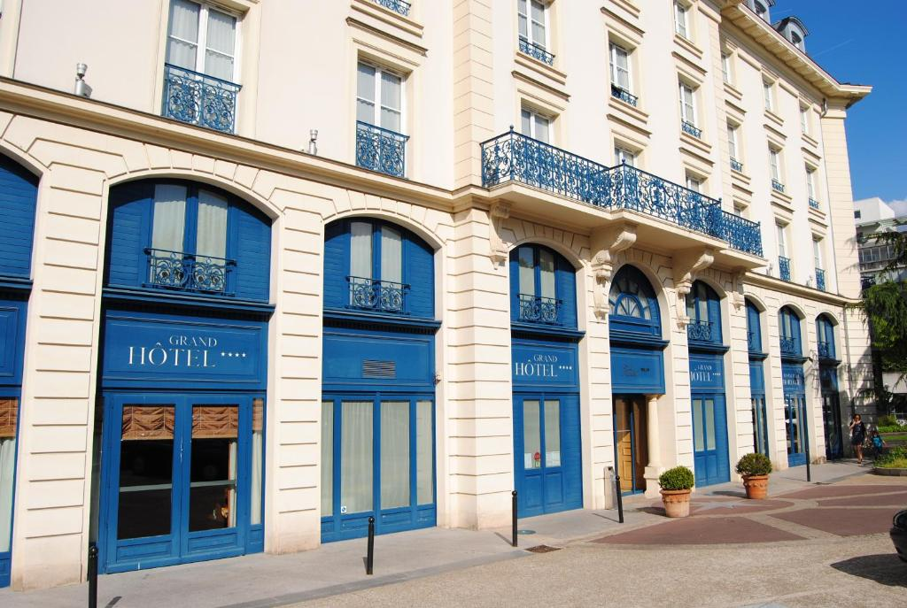 Residence Du Grand Hotel Le Plessis Robinson France Booking Com