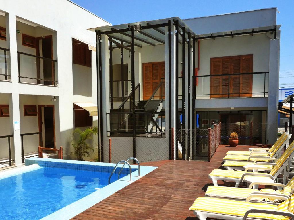 A piscina localizada em CLH Suites Bonito ou nos arredores