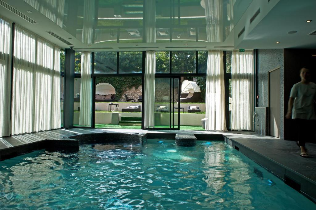 Hotel Best Western Premier Grand Monarque Chartres France
